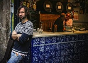 El Pescao en el bar La Plata (foto de Joan Cortadellas para El Periódico).