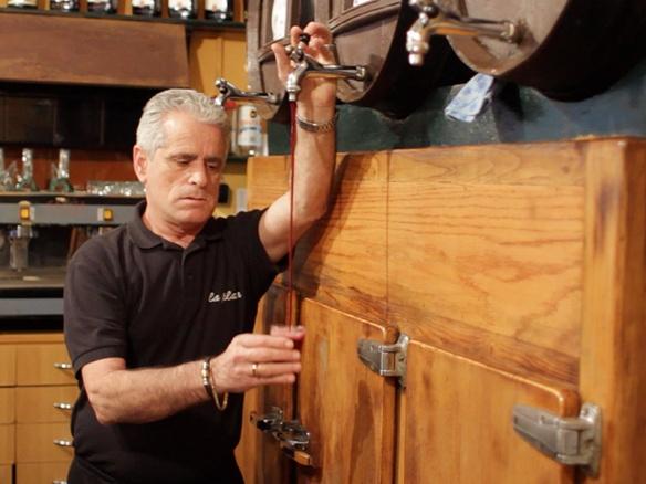 Josep Maria, excamarero del bar La Plata, en Culinary Backstreets.