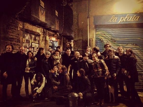 Marcel, propietario del Morro Fi, celebra su boda en el bar La Plata
